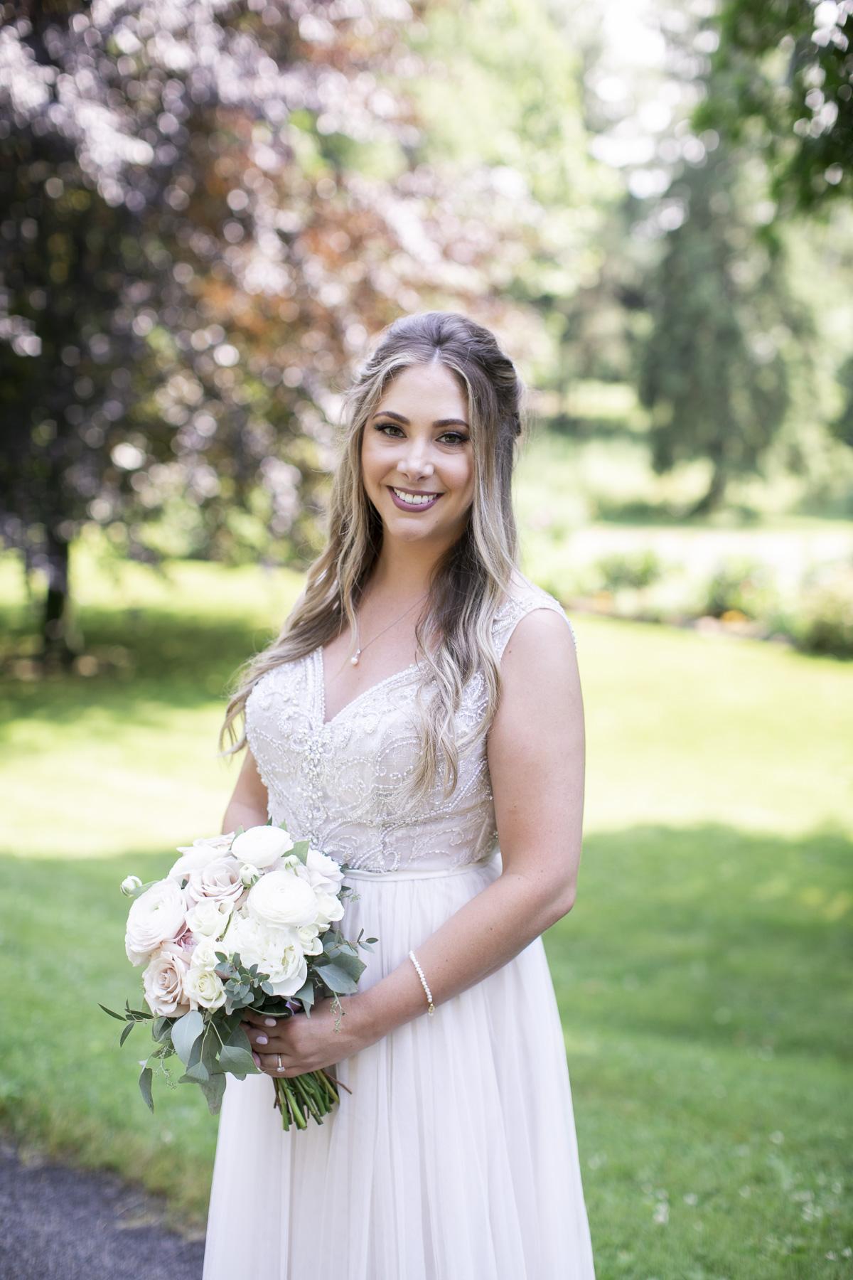 vineyard-bride-philosophy-studios-outdoor-summer-wedding-the-tamahaac-club-niagara-ancaster-toronto-vendor-0051.JPG