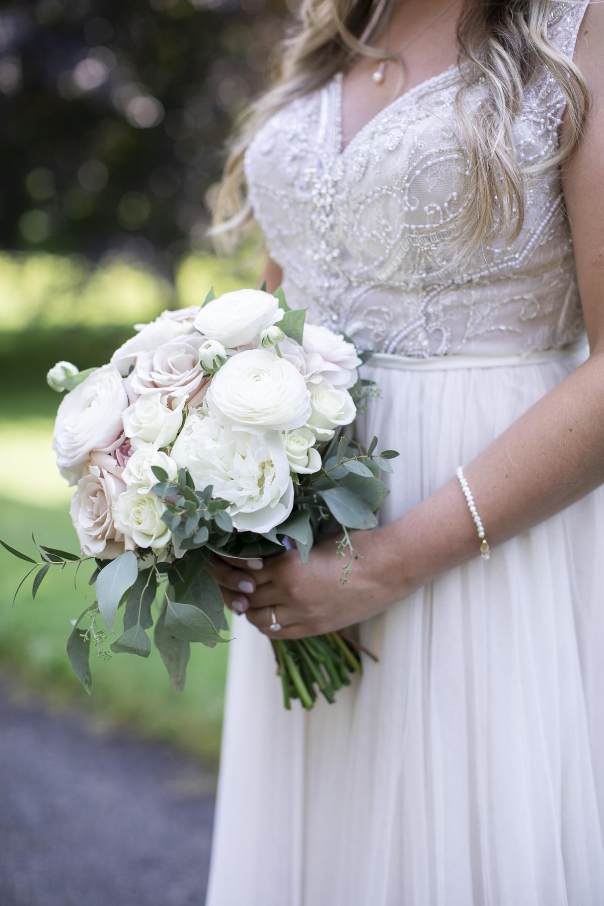 vineyard-bride-philosophy-studios-outdoor-summer-wedding-the-tamahaac-club-niagara-ancaster-toronto-vendor-0052.JPG