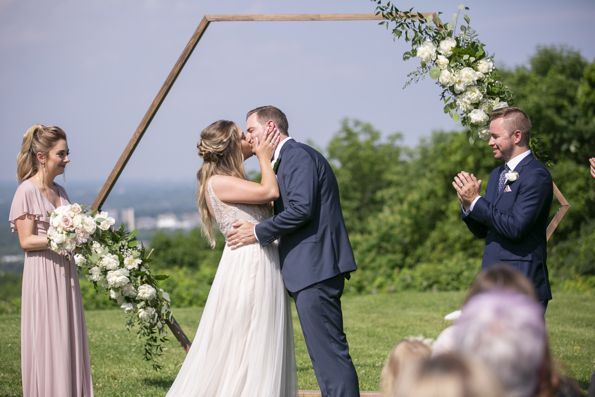 vineyard-bride-philosophy-studios-outdoor-summer-wedding-the-tamahaac-club-niagara-ancaster-toronto-vendor-0081.JPG