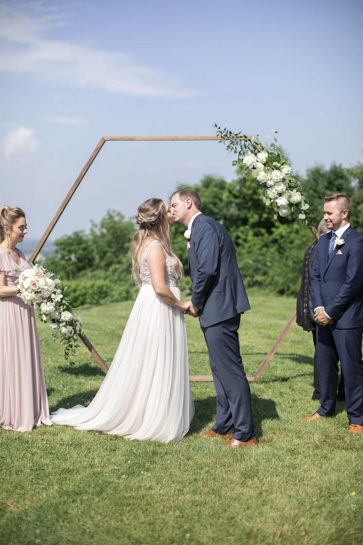 vineyard-bride-philosophy-studios-outdoor-summer-wedding-the-tamahaac-club-niagara-ancaster-toronto-vendor-0083.JPG