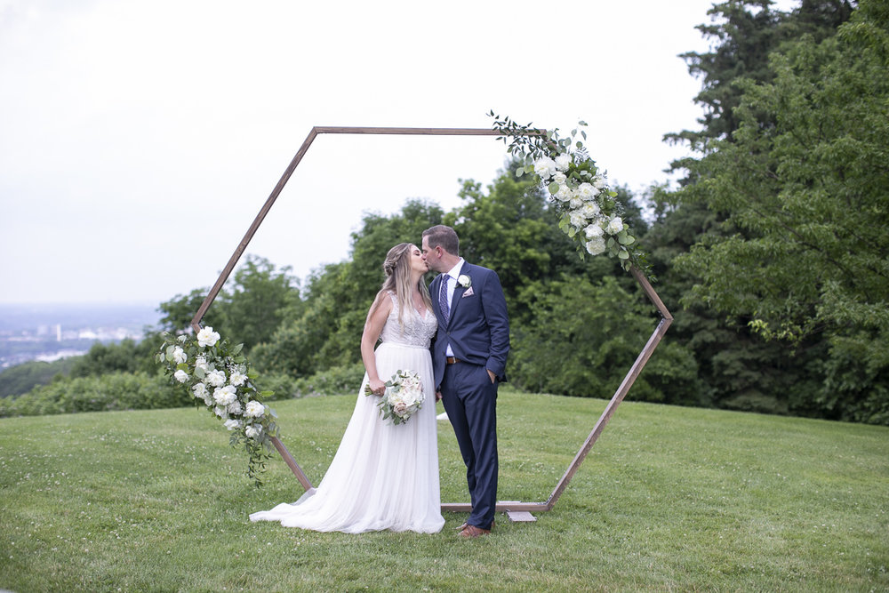 vineyard-bride-philosophy-studios-outdoor-summer-wedding-the-tamahaac-club-niagara-ancaster-toronto-vendor-0084.JPG