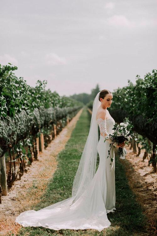 vineyard-bride-vendor-spotlight-wilde-hair-boutique-salon-mobile-wedding-hair-makeup-services-niagara-toronto-southern-ontario002.JPG