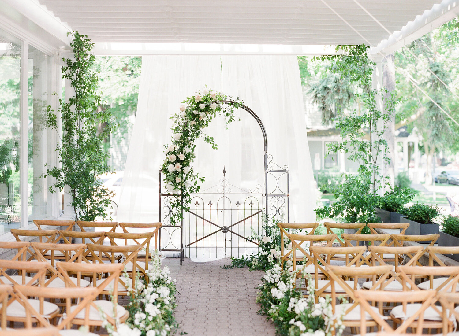 the-gate-house-niagara-on-the-lake-weddings-vineyard-bride-swish-list-photo-1.jpeg