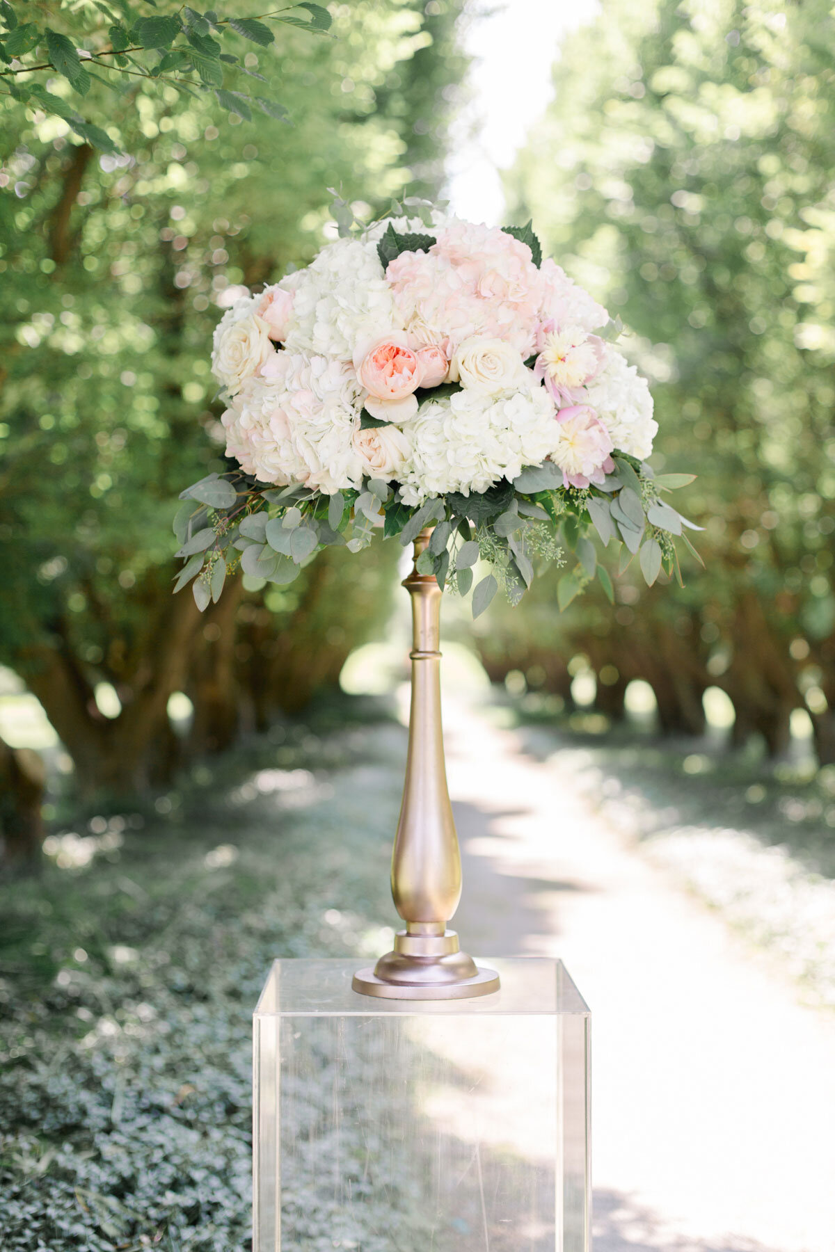 Chateau-des-Charmes-Wedding-Summer-Vineyard-Bride-Niagara-on-the-Lake-photos-by-Gemini-Photography-Ontario-0012.jpg