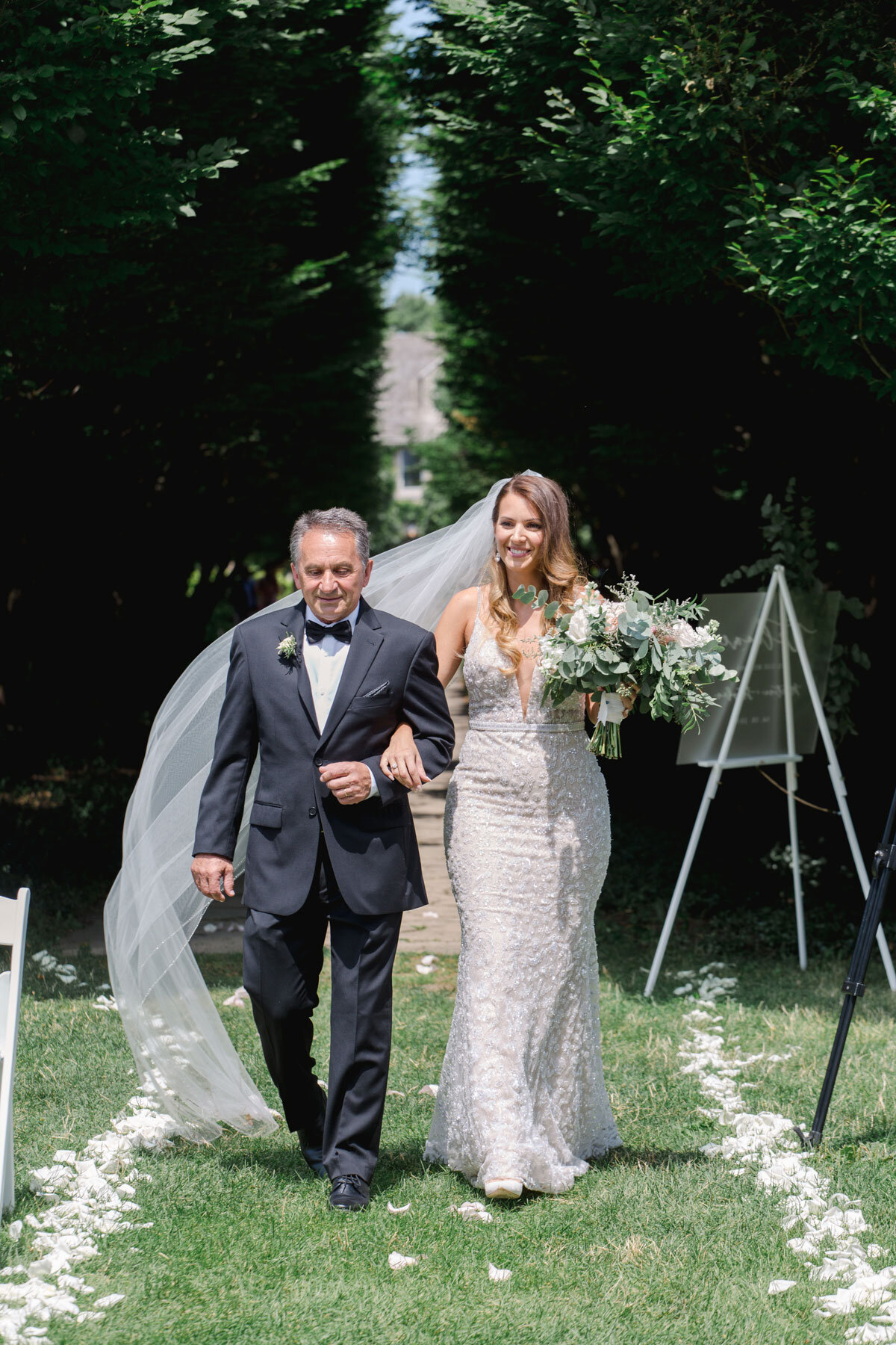 Chateau-des-Charmes-Wedding-Summer-Vineyard-Bride-Niagara-on-the-Lake-photos-by-Gemini-Photography-Ontario-0015.jpg
