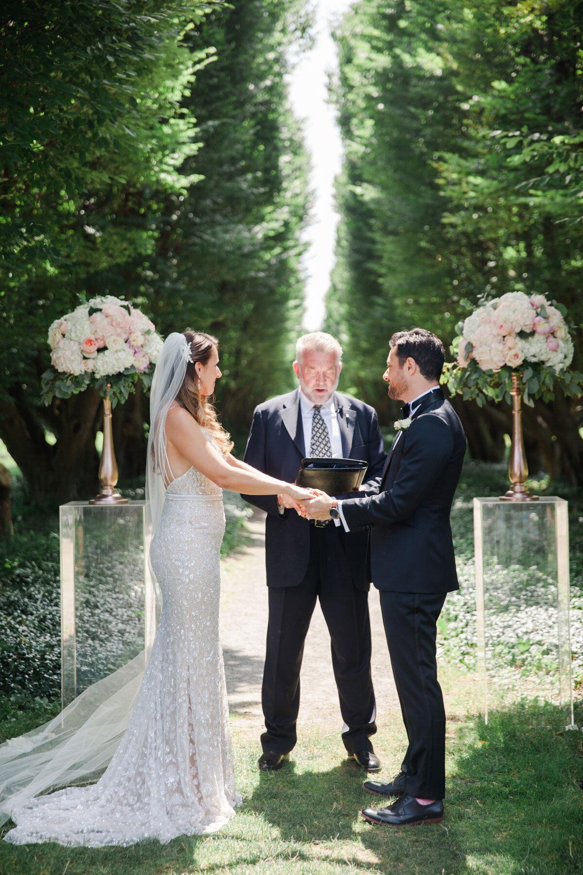 Chateau-des-Charmes-Wedding-Summer-Vineyard-Bride-Niagara-on-the-Lake-photos-by-Gemini-Photography-Ontario-0018.jpg
