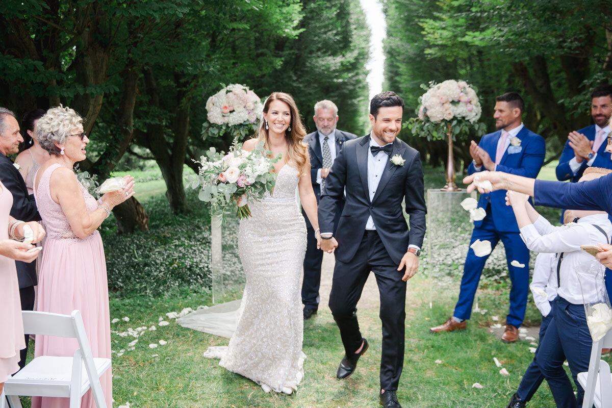 Chateau-des-Charmes-Wedding-Summer-Vineyard-Bride-Niagara-on-the-Lake-photos-by-Gemini-Photography-Ontario-0020.jpg