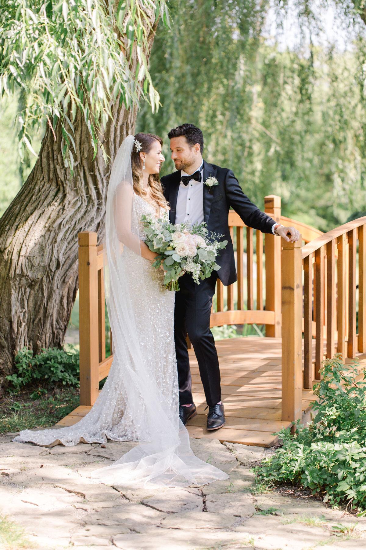 Chateau-des-Charmes-Wedding-Summer-Vineyard-Bride-Niagara-on-the-Lake-photos-by-Gemini-Photography-Ontario-0021.jpg