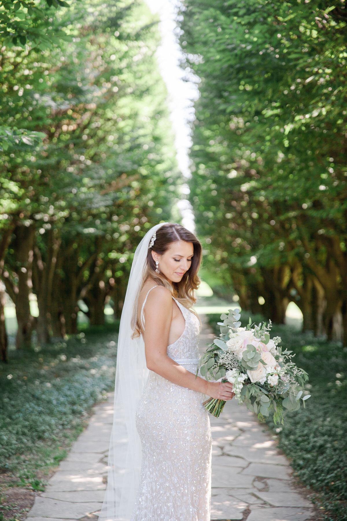 Chateau-des-Charmes-Wedding-Summer-Vineyard-Bride-Niagara-on-the-Lake-photos-by-Gemini-Photography-Ontario-0025.jpg
