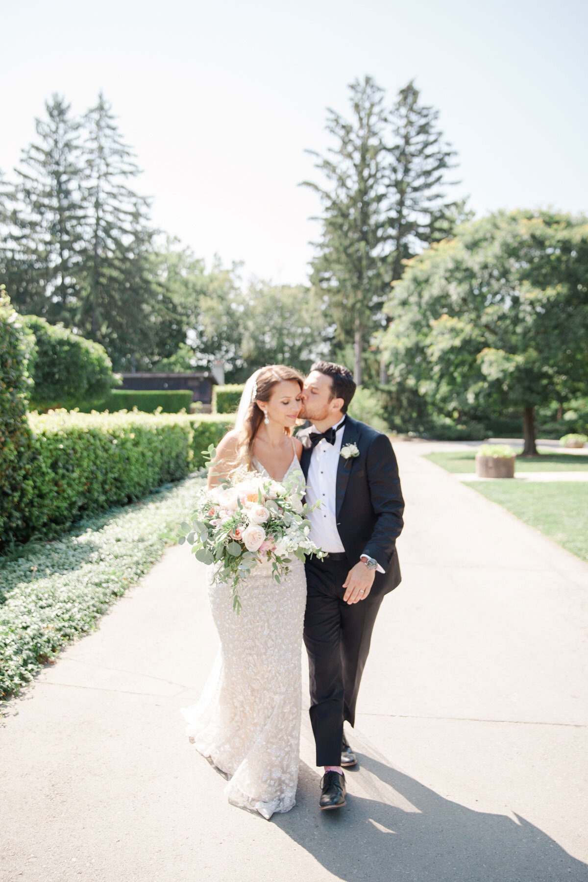 Chateau-des-Charmes-Wedding-Summer-Vineyard-Bride-Niagara-on-the-Lake-photos-by-Gemini-Photography-Ontario-0026.jpg