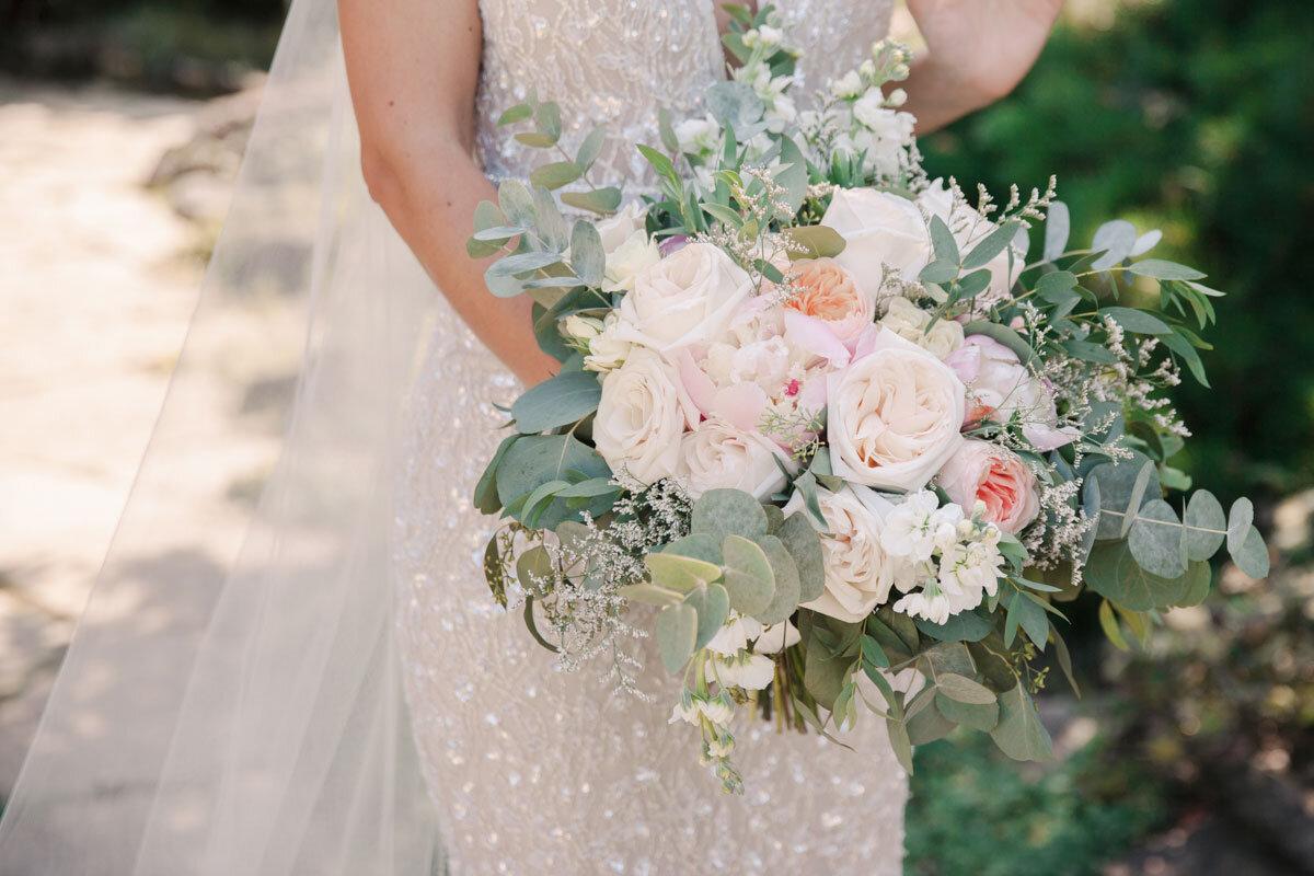 Chateau-des-Charmes-Wedding-Summer-Vineyard-Bride-Niagara-on-the-Lake-photos-by-Gemini-Photography-Ontario-0029.jpg
