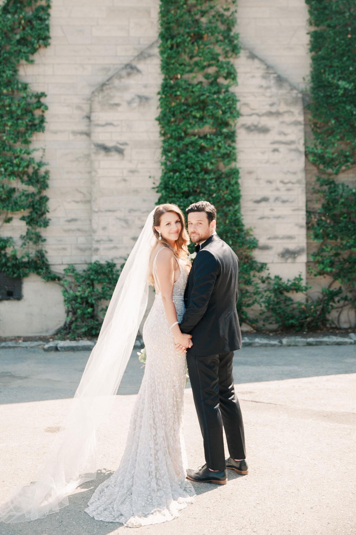 Chateau-des-Charmes-Wedding-Summer-Vineyard-Bride-Niagara-on-the-Lake-photos-by-Gemini-Photography-Ontario-0035.jpg