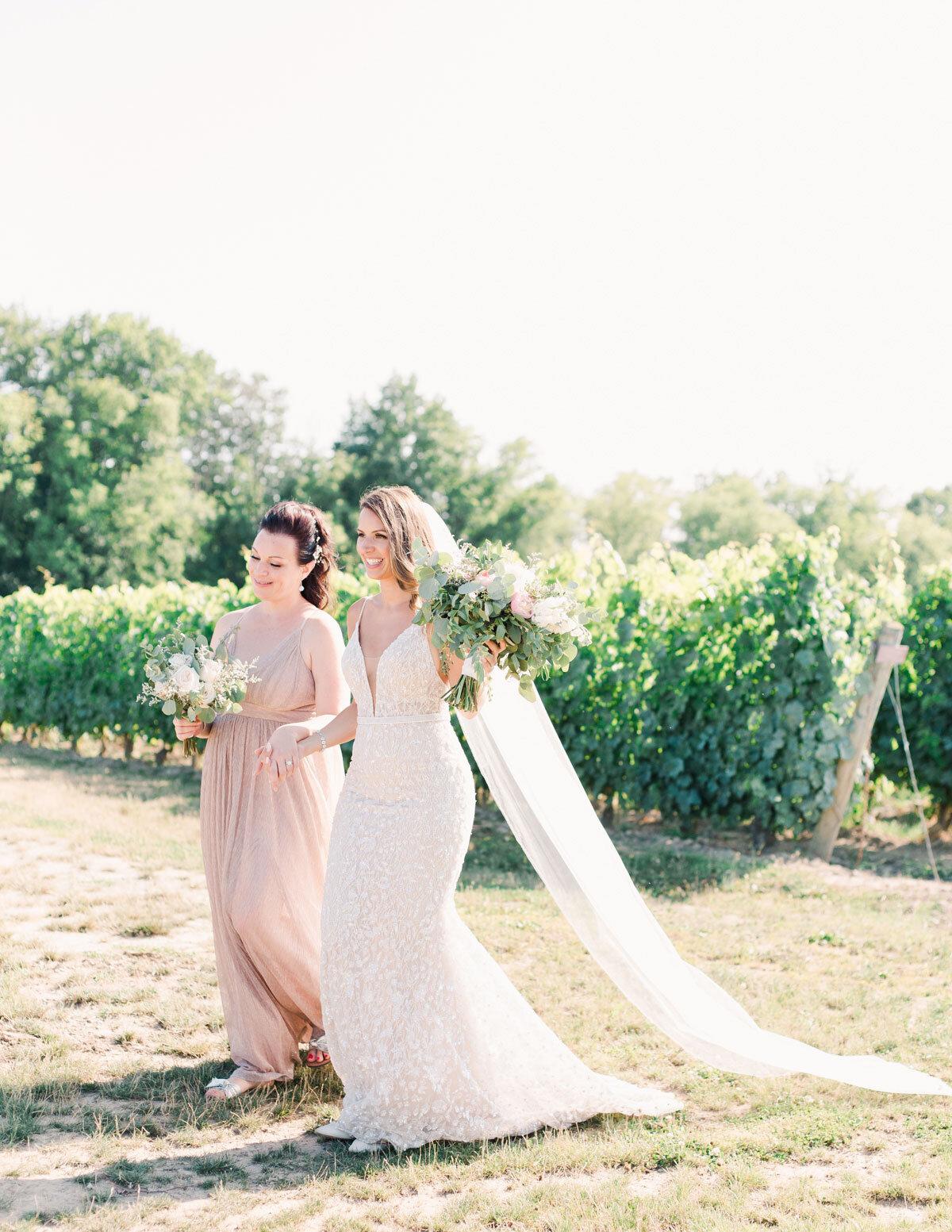Chateau-des-Charmes-Wedding-Summer-Vineyard-Bride-Niagara-on-the-Lake-photos-by-Gemini-Photography-Ontario-0038.jpg