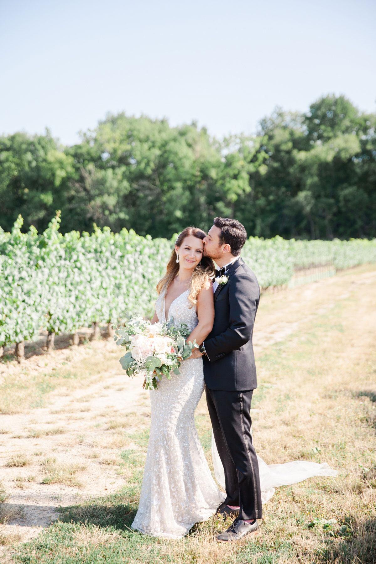 Chateau-des-Charmes-Wedding-Summer-Vineyard-Bride-Niagara-on-the-Lake-photos-by-Gemini-Photography-Ontario-0039.jpg