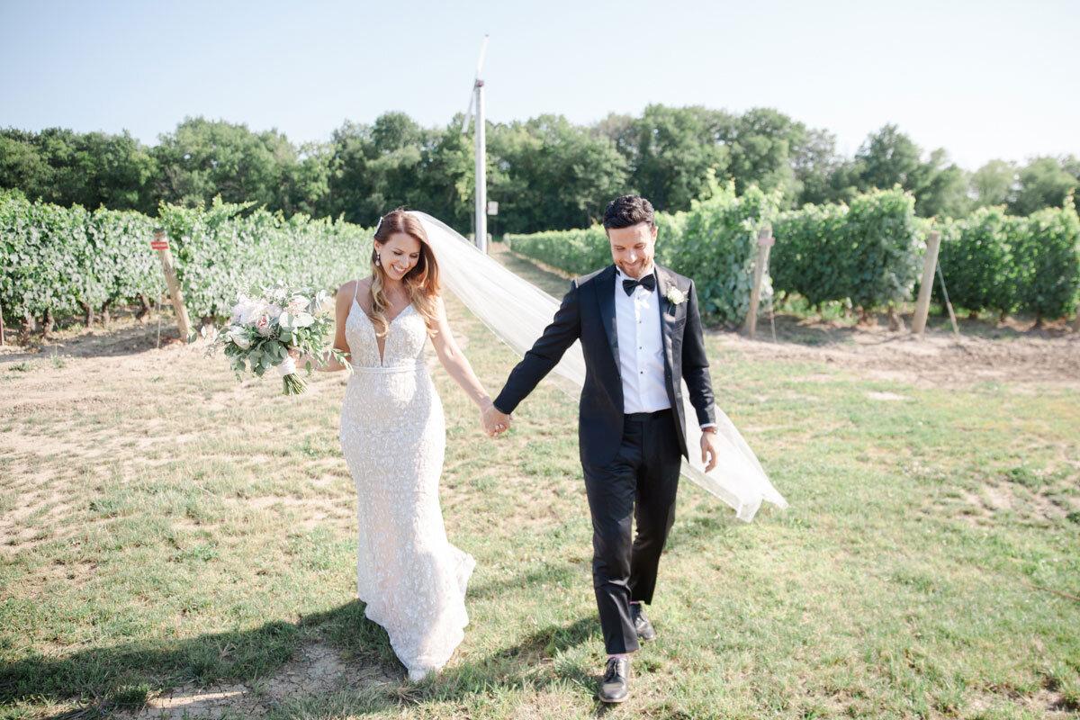 Chateau-des-Charmes-Wedding-Summer-Vineyard-Bride-Niagara-on-the-Lake-photos-by-Gemini-Photography-Ontario-0040.jpg
