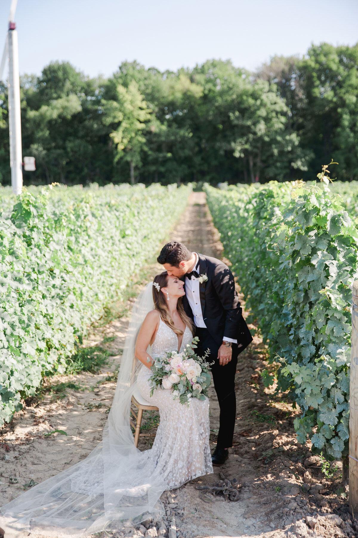 Chateau-des-Charmes-Wedding-Summer-Vineyard-Bride-Niagara-on-the-Lake-photos-by-Gemini-Photography-Ontario-0041.jpg