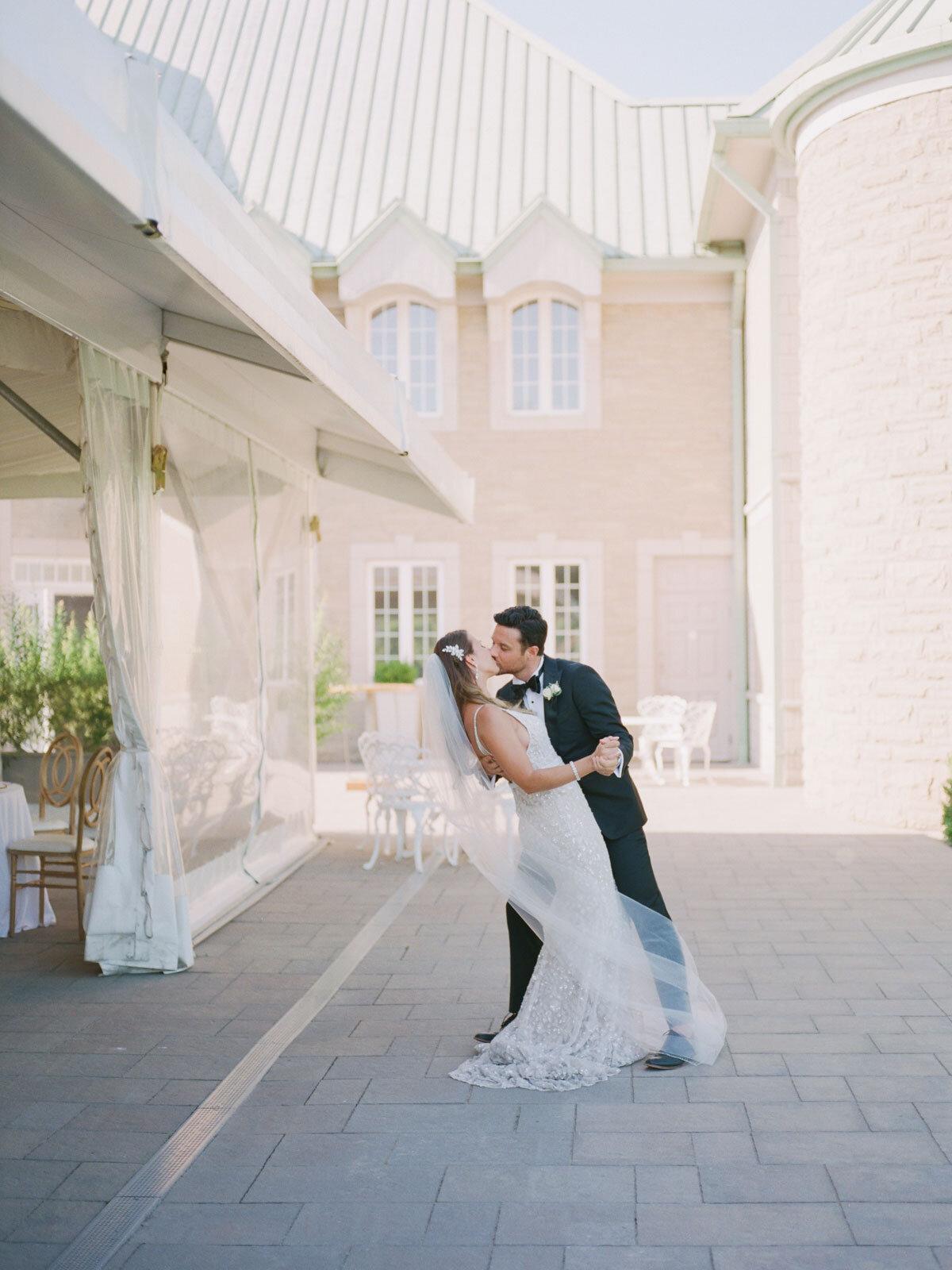 Chateau-des-Charmes-Wedding-Summer-Vineyard-Bride-Niagara-on-the-Lake-photos-by-Gemini-Photography-Ontario-0044.jpg