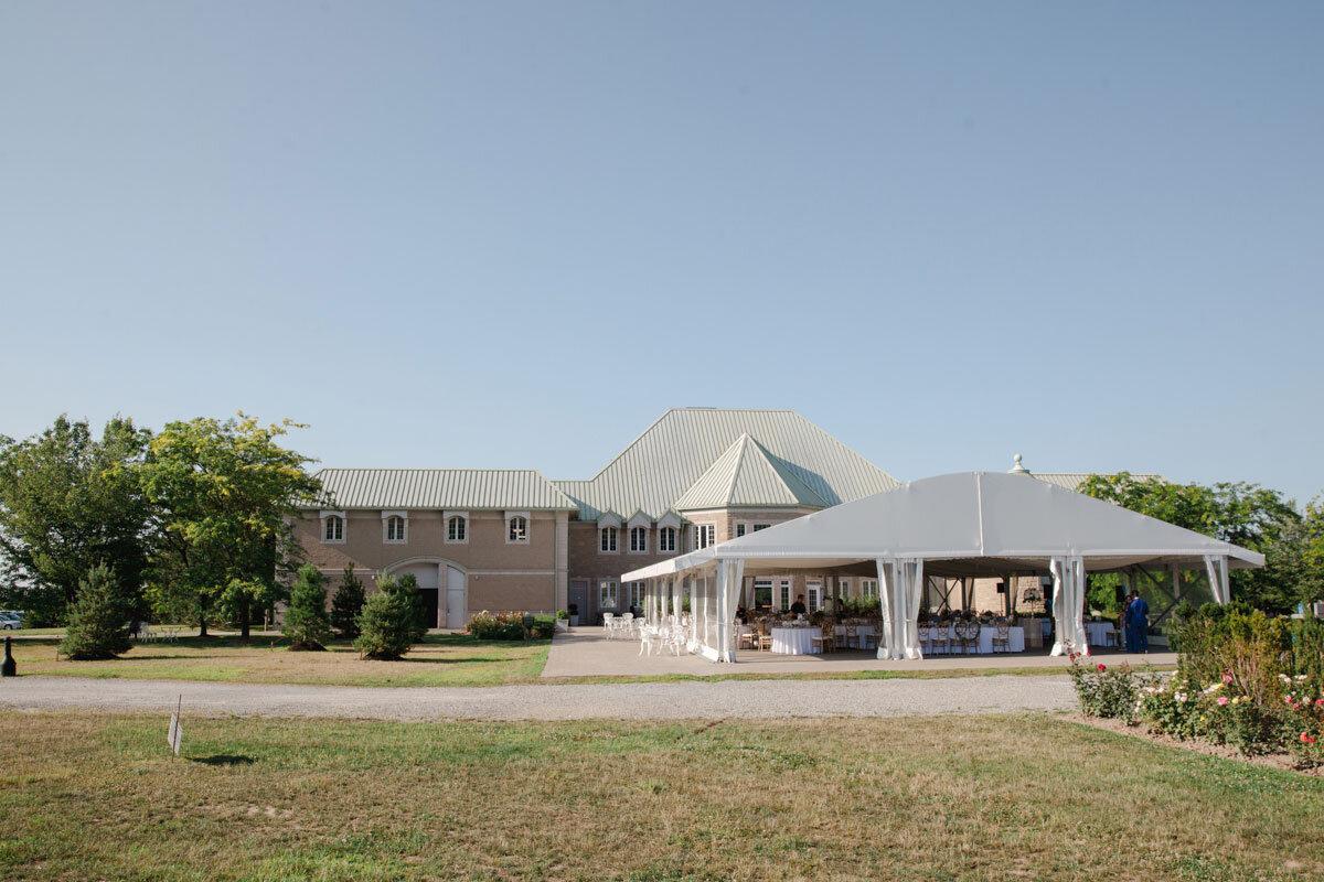 Chateau-des-Charmes-Wedding-Summer-Vineyard-Bride-Niagara-on-the-Lake-photos-by-Gemini-Photography-Ontario-0046.jpg