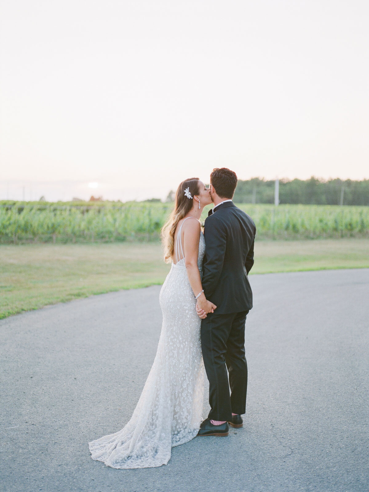 Chateau-des-Charmes-Wedding-Summer-Vineyard-Bride-Niagara-on-the-Lake-photos-by-Gemini-Photography-Ontario-0082.jpg
