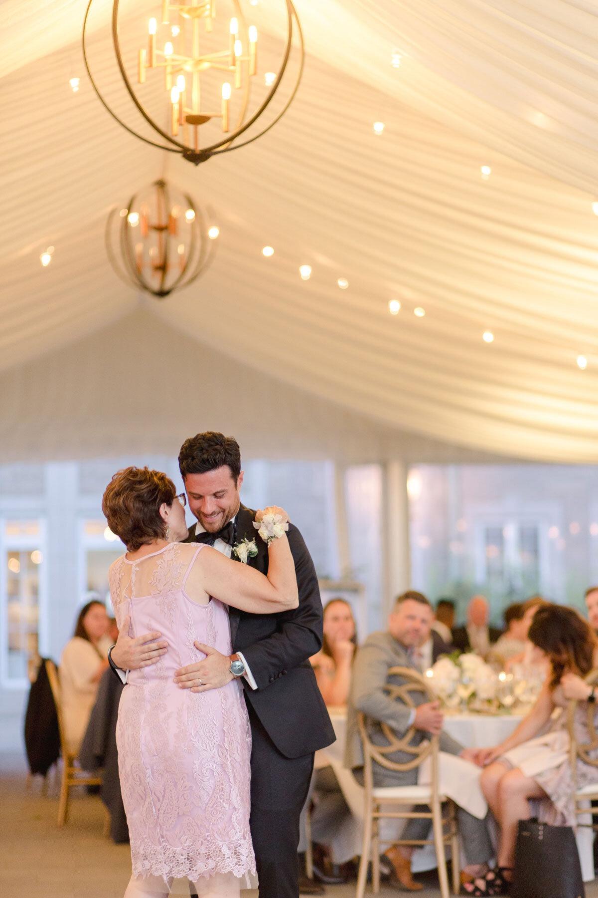 Chateau-des-Charmes-Wedding-Summer-Vineyard-Bride-Niagara-on-the-Lake-photos-by-Gemini-Photography-Ontario-0084.jpg