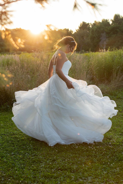 vineyard-bride-vendor-spotlight-the-swish-list-sparkle-and-twine-event-planning-design-wedding-vendors-niagara-toronto-southern-ontario-002.jpg
