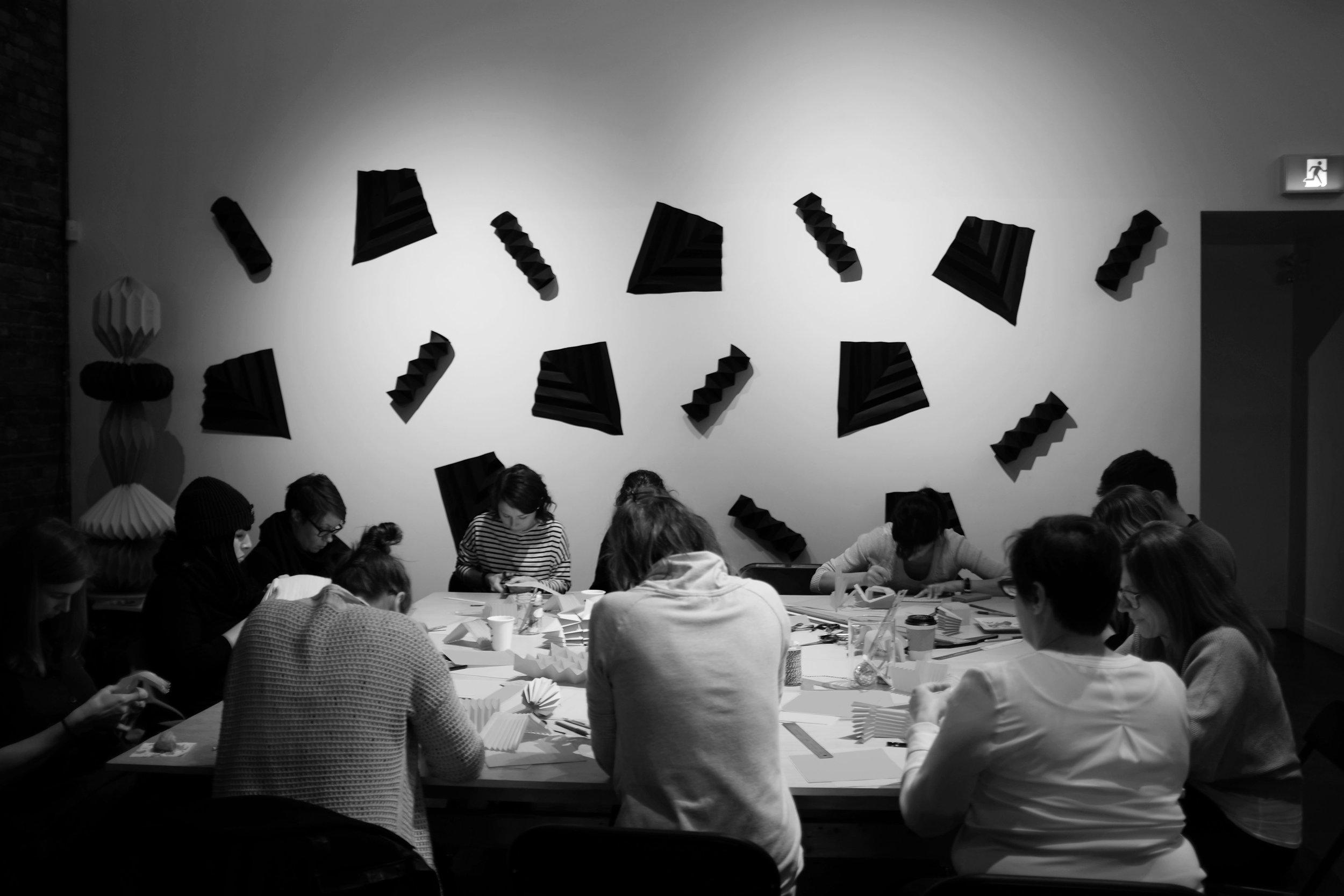 miss-cloudy-folding-light-22-avril-origami-atelier-workshop-4.jpg