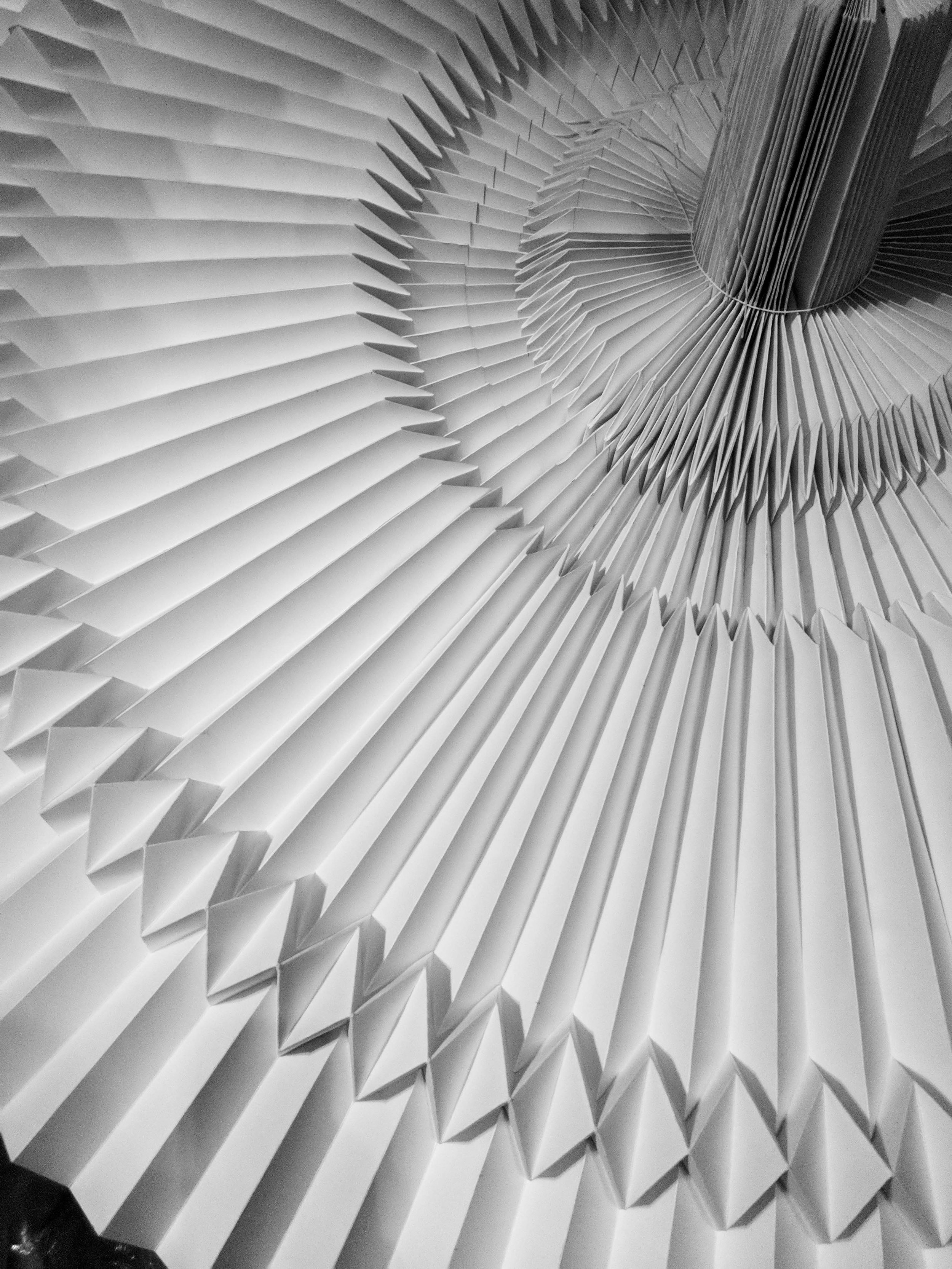 miss-cloudy-infinite-museum-fine-arts-pauline-loctin-paper-art-origami-folding-thierry-mugler-couturrissime-exhibition-4.jpg