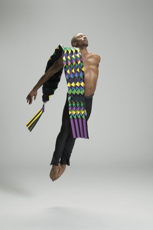 miss-cloudy-pauline-loctin-plie-project-ballerina-paper-art-origami-garment-tutu-ballet-dancer-melika-dez-folding-pointe-mj-scarf.jpg