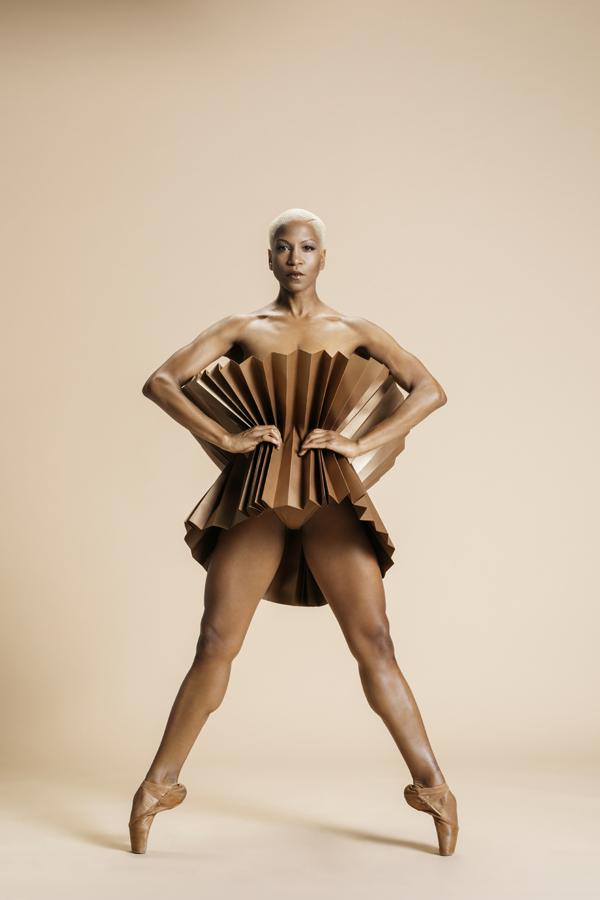 miss-cloudy-pauline-loctin-plie-project-ballerina-paper-art-origami-garment-tutu-ballet-dancer-melika-dez-folding-pointe-bronze-akua-01.jpg