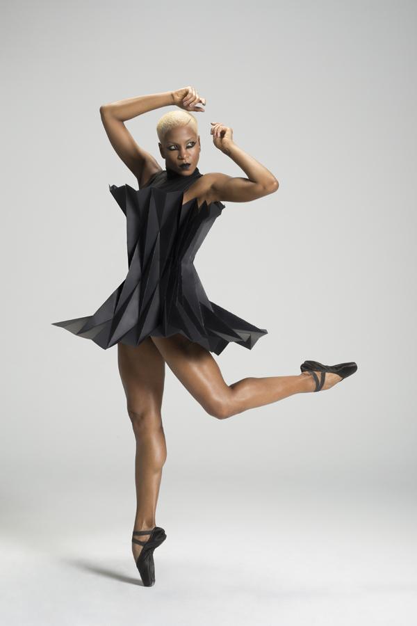 miss-cloudy-pauline-loctin-plie-project-ballerina-paper-art-origami-garment-tutu-ballet-dancer-melika-dez-folding-pointe-black-akua-01.jpg