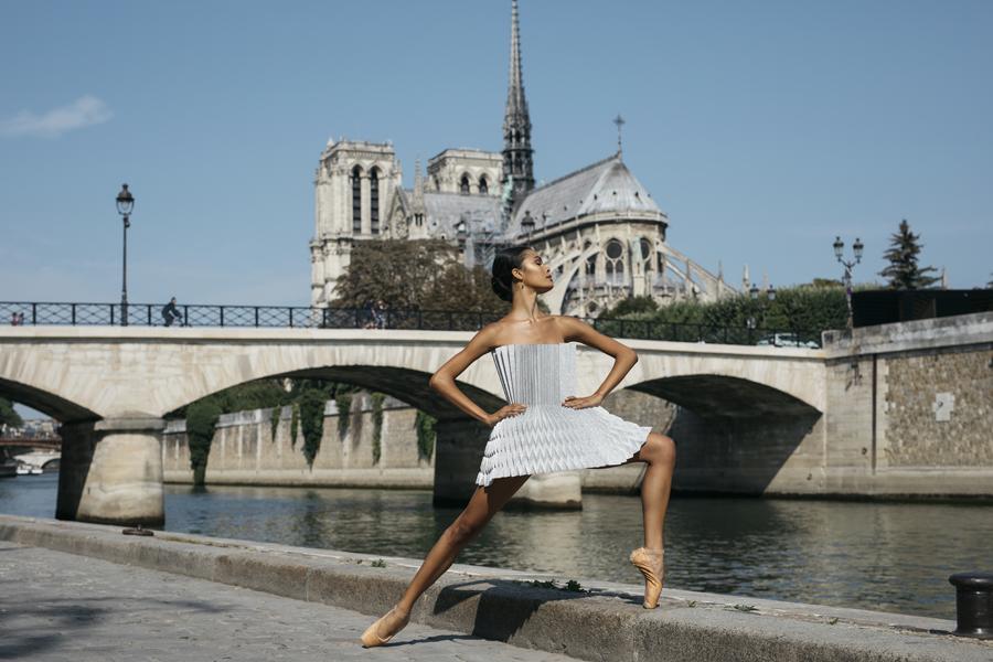 miss-cloudy-pauline-loctin-plie-project-ballerina-paper-art-origami-garment-tutu-ballet-dancer-melika-dez-folding-pointe-ines-paris-03.jpg