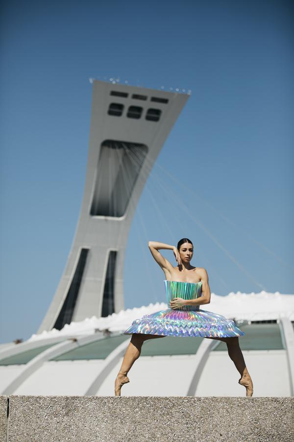 miss-cloudy-pauline-loctin-plie-project-ballerina-paper-art-origami-garment-tutu-ballet-dancer-melika-dez-folding-pointe-maude-montreal-01.jpg