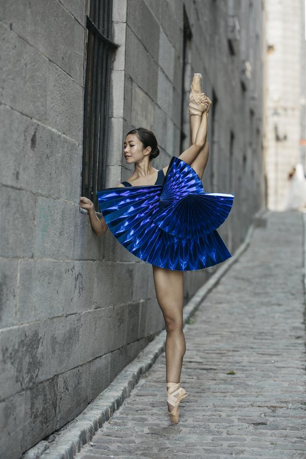 miss-cloudy-pauline-loctin-plie-project-ballerina-paper-art-origami-garment-tutu-ballet-dancer-melika-dez-folding-pointe-mai-montreal-02.jpg