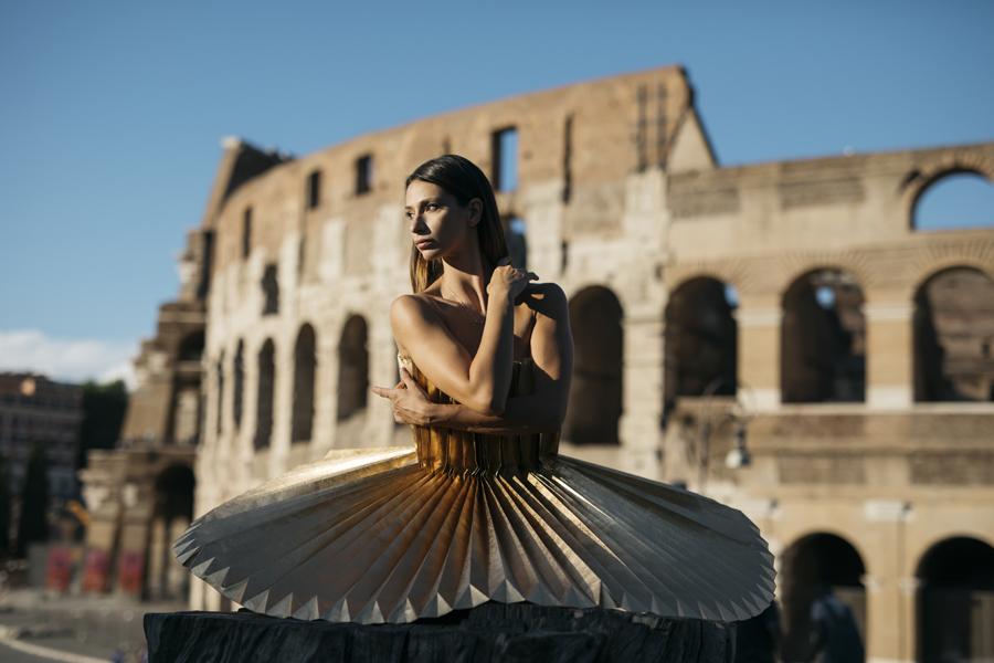 miss-cloudy-pauline-loctin-plie-project-ballerina-paper-art-origami-garment-tutu-ballet-dancer-melika-dez-folding-pointe-annalisa-rome-05.jpg