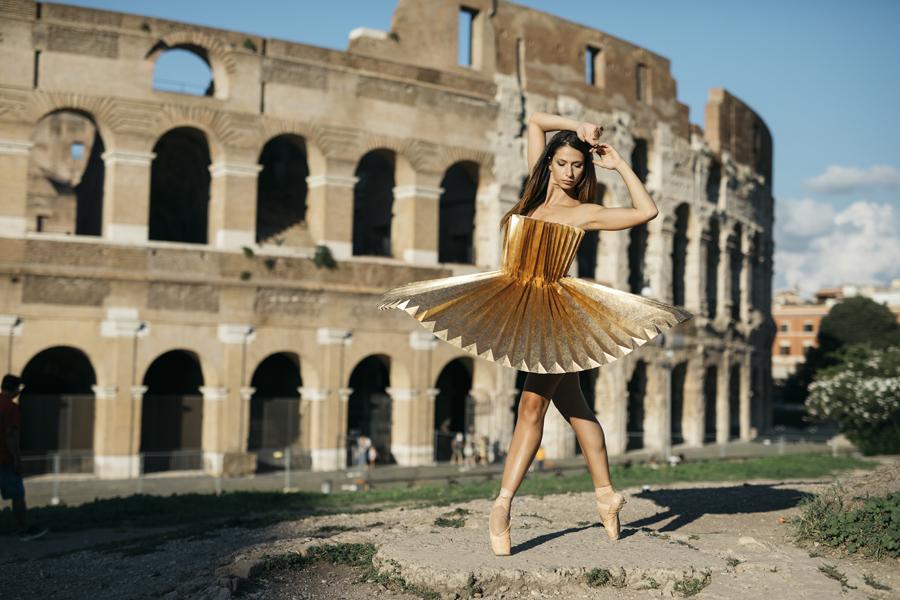 miss-cloudy-pauline-loctin-plie-project-ballerina-paper-art-origami-garment-tutu-ballet-dancer-melika-dez-folding-pointe-annalisa-rome-03.jpg