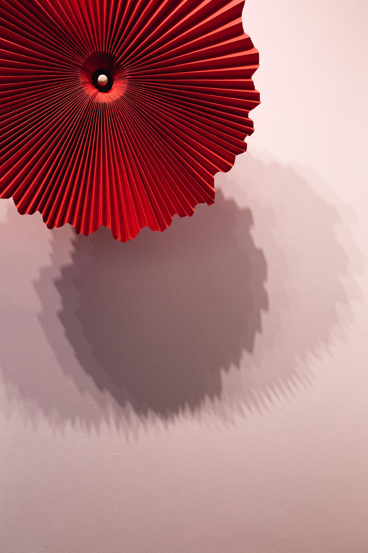 miss-cloudy-pauline-loctin-plie-project-melika-dez-ausgang-exhibition-paper-art-origami-ballerina-ballet-dancer-pointe-fold-23.jpg