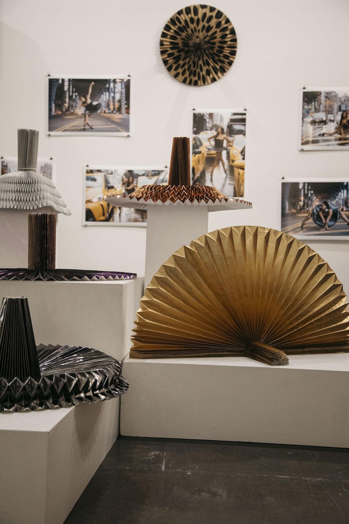 miss-cloudy-pauline-loctin-plie-project-melika-dez-ausgang-exhibition-paper-art-origami-ballerina-ballet-dancer-pointe-fold-4.JPG