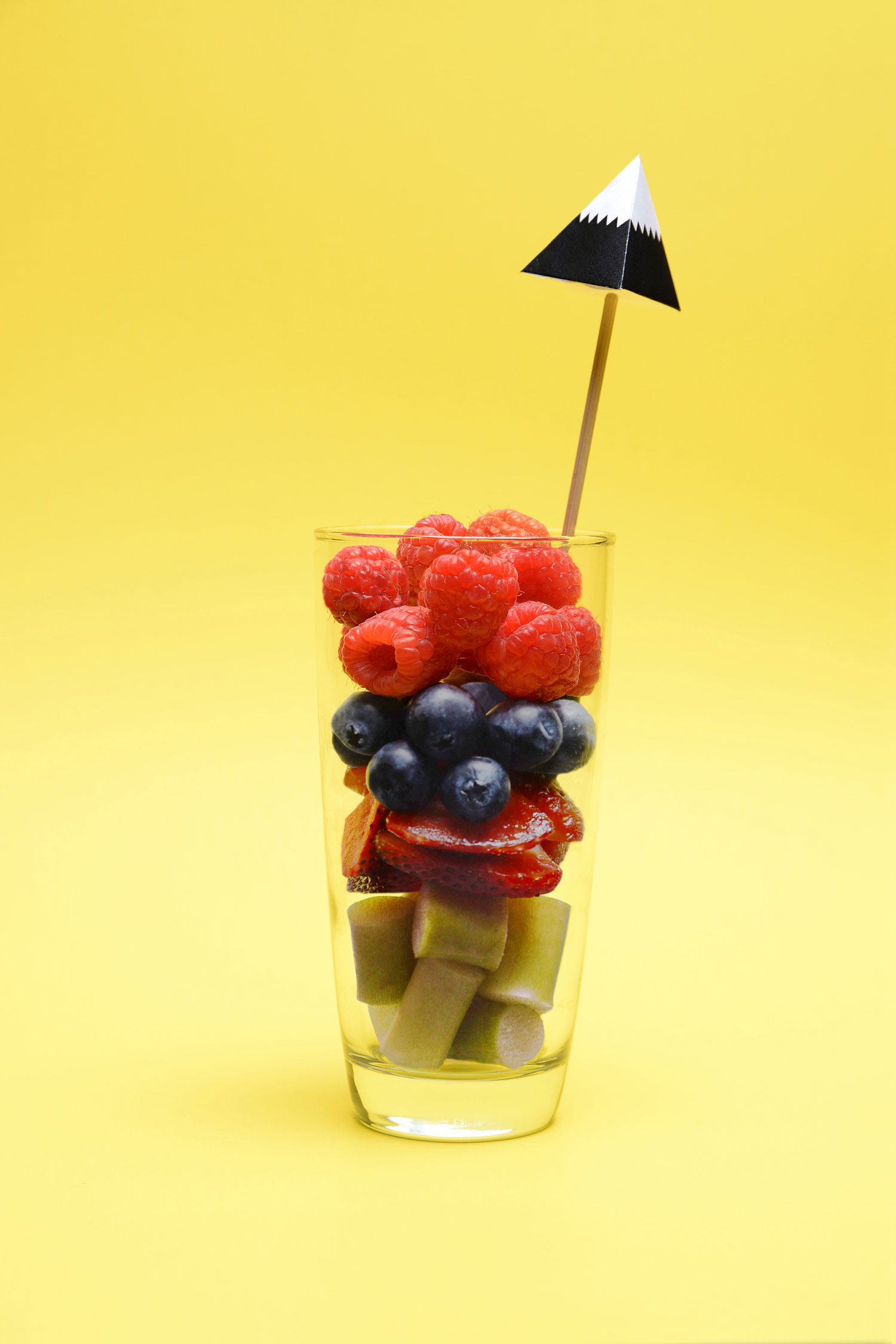 MISS-CLOUDY-jll-photograpahies-summer-cocktail-fruits-berrie-berry.jpg
