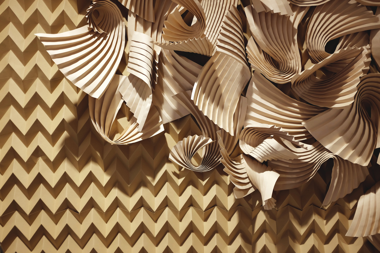 miss-cloudy-folding-paper-art-dune-knot-on-my-planet-holt-renfrew-doutzen-mural-sable-colorplan-pauline-loctin-17.jpg