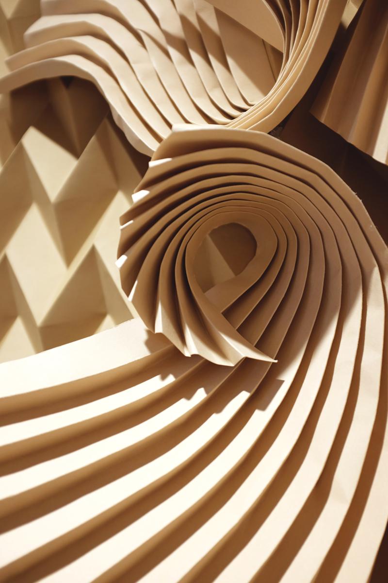 miss-cloudy-folding-paper-art-dune-knot-on-my-planet-holt-renfrew-doutzen-mural-sable-colorplan-pauline-loctin-3.jpg