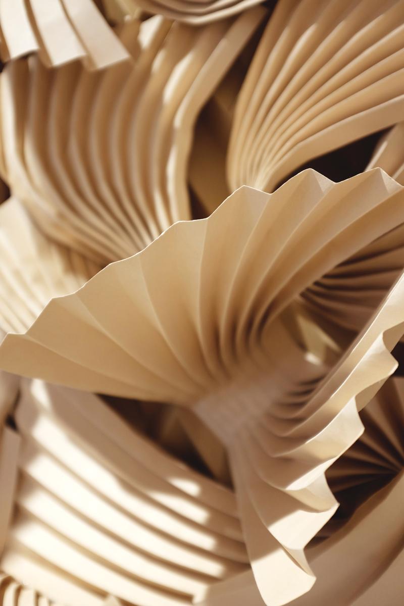 miss-cloudy-folding-paper-art-dune-knot-on-my-planet-holt-renfrew-doutzen-mural-sable-colorplan-pauline-loctin-4.jpg