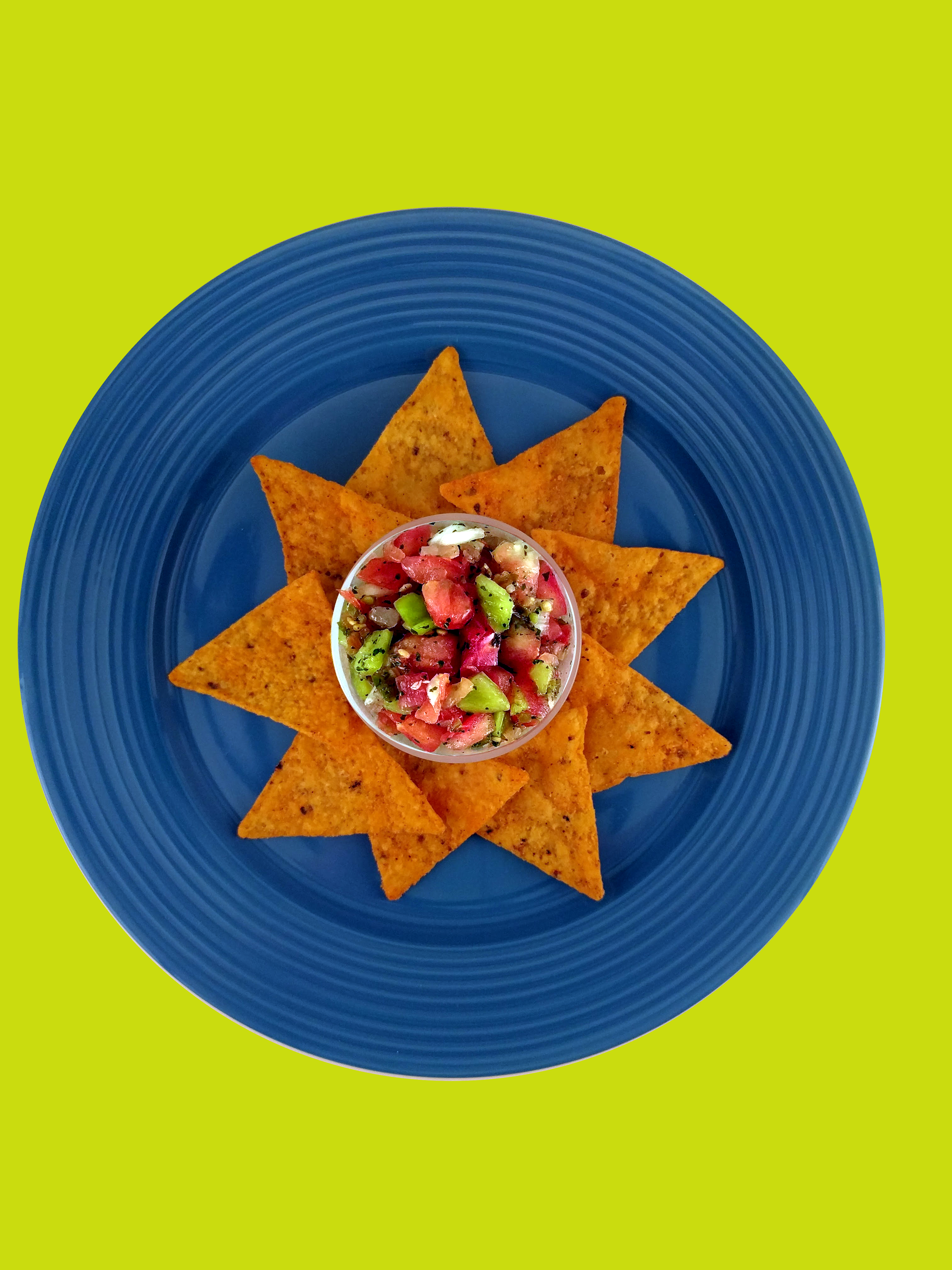 Fresh. Fun. Fantastic. - What happens when a Texas gal falls for a New England boy? She learns to love the cold and he learns to love the heat - of all things Tex-Mex that is. Chica de Gallo's fresh salsas and guacamoles bring the flavors of the Lone Star State to your fridge. Our products have the homemade goodness of juicy, vine-ripened tomatoes, a blend of crunchy and spicy peppers, leafy green cilantro, and fresh lime juice. From our family to yours, enjoy!