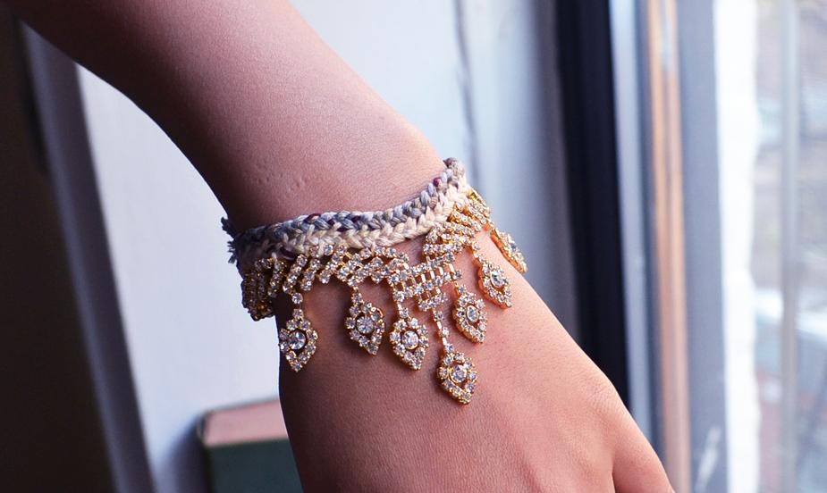 rhinestone friendship bracelet DIY.JPG