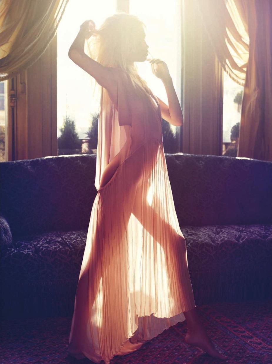 Natasha Poly by Mario Sorrenti (Clair de Jour - Vogue Paris June-July 2012) 1.jpg