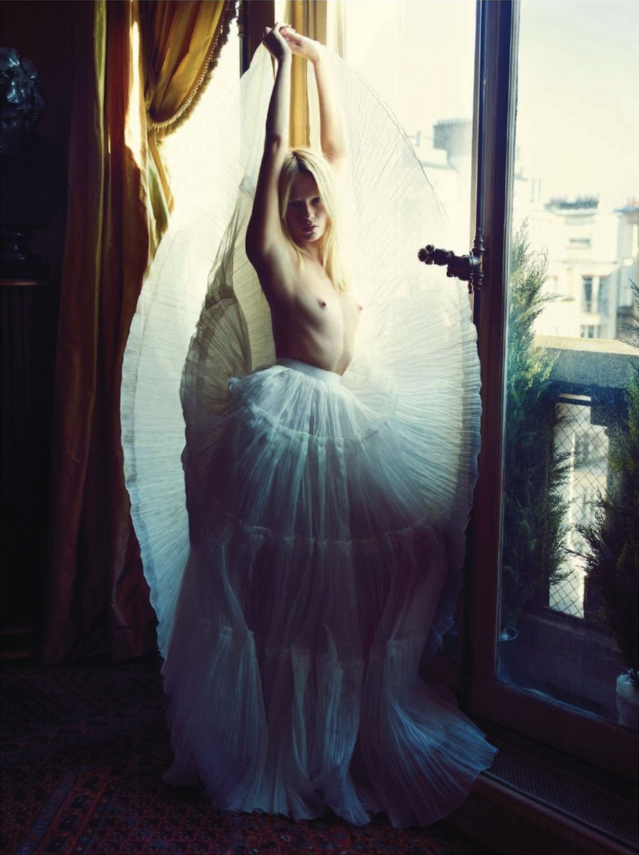 Natasha Poly by Mario Sorrenti (Clair de Jour - Vogue Paris June-July 2012) 3.jpg