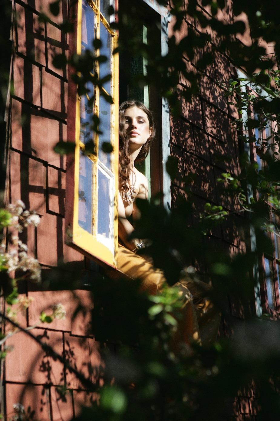 Anna Christine Speckhart by Jason Lee Parry (In Plain Sight - Trendi Finnish April 2012) 11.jpg