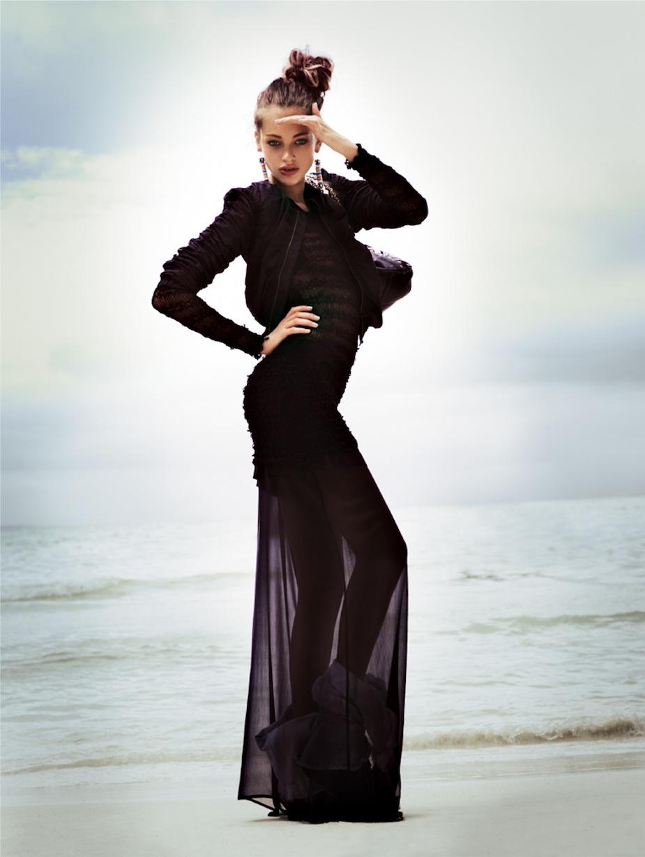 Lucette van Beek by Jonas Bresnan (The Beach - Glamour Italia July 2012) 4.jpeg
