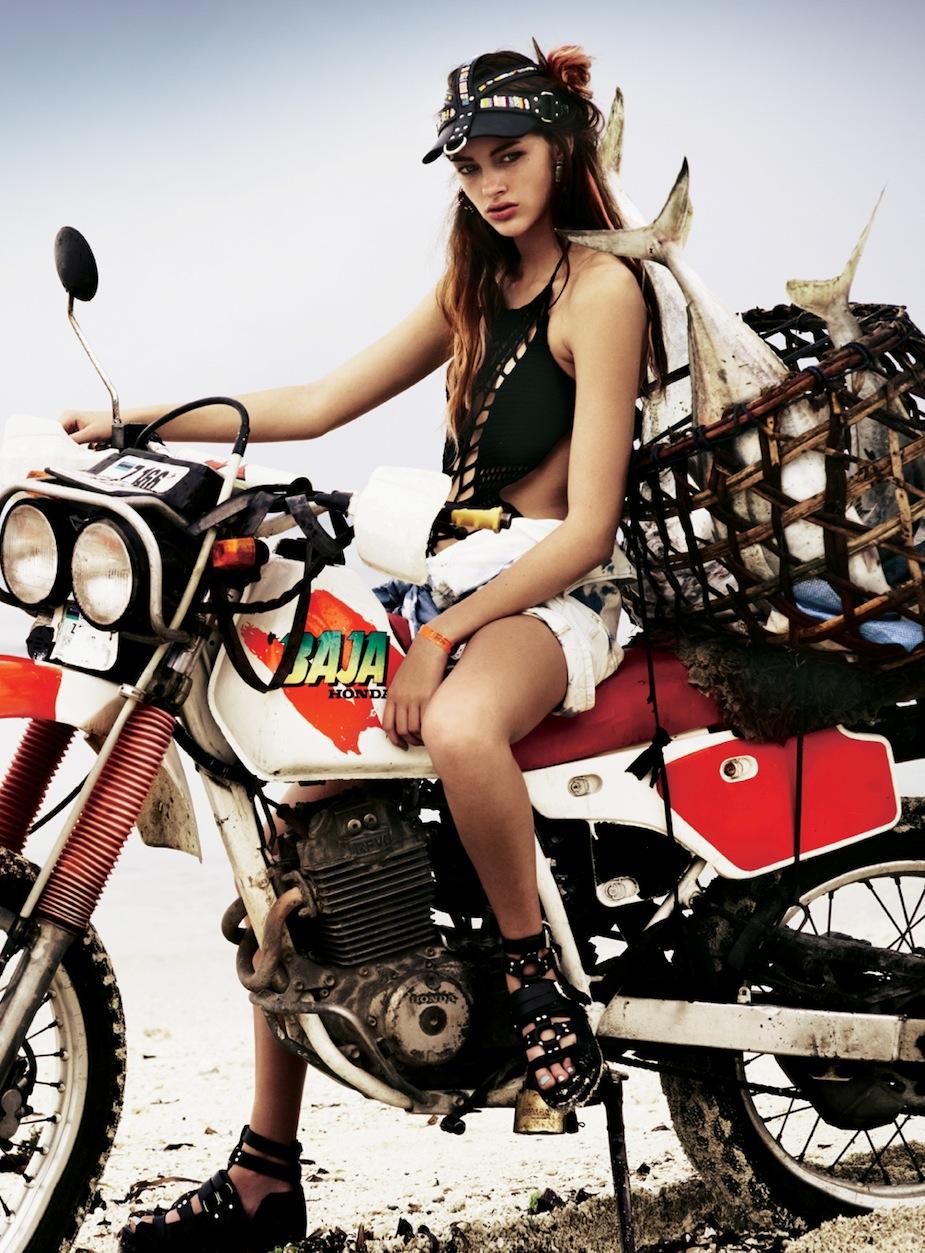 Lucette van Beek by Jonas Bresnan (The Beach - Glamour Italia July 2012) 9.jpeg