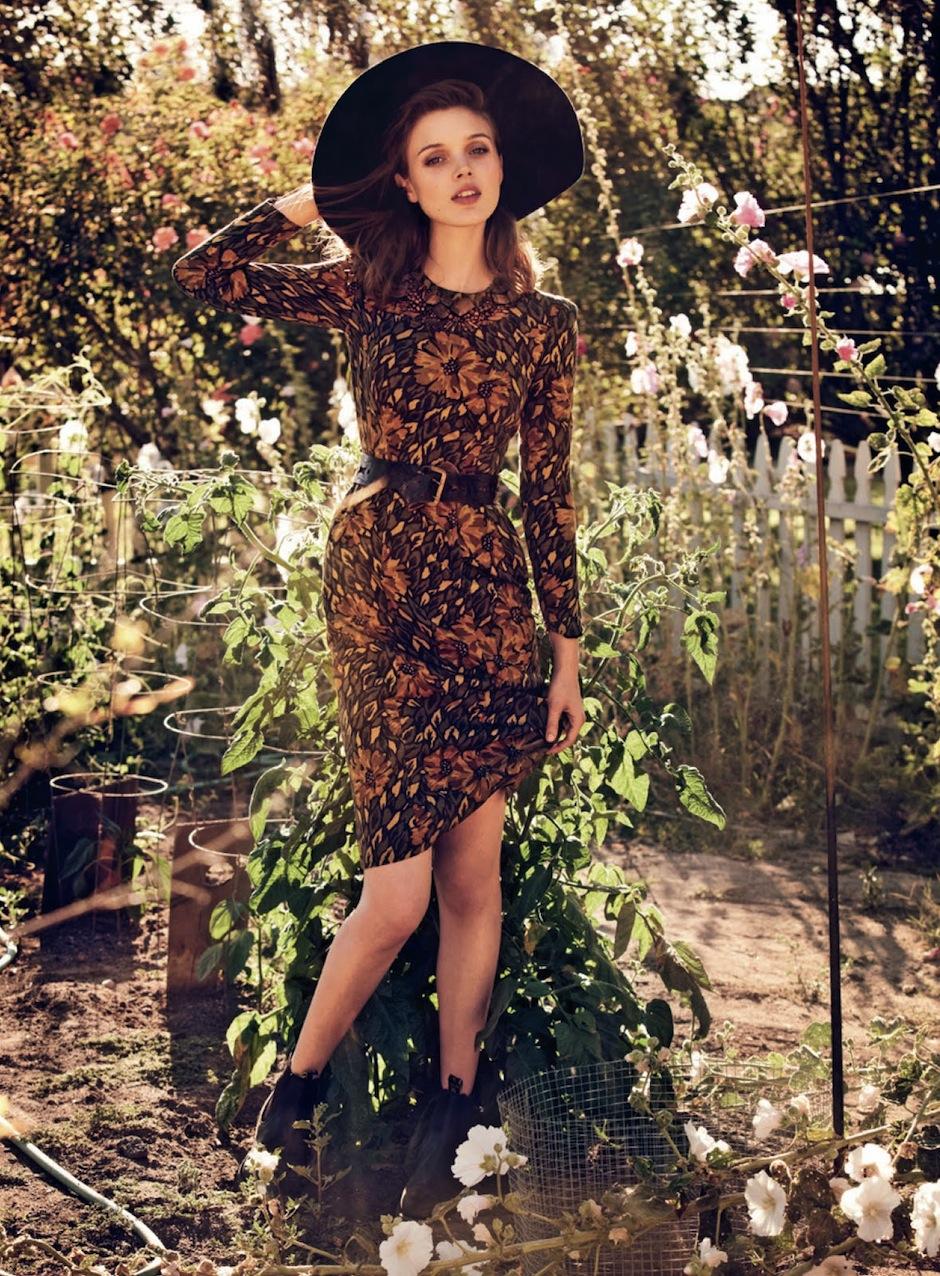 Bella Heathcote by Will Davidson (Ciao Bella - Vogue Australia September 2012).jpeg