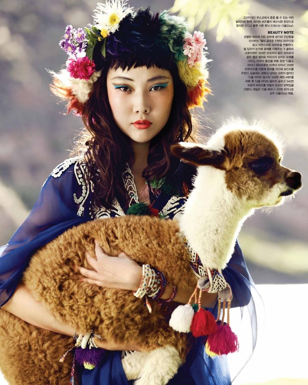 Han Hye Jin by Alexander Neumann (La Bella Señorita - Vogue Korea July 2012) 5.jpeg